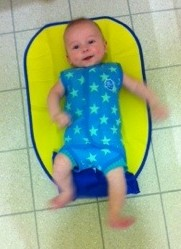 Baby swimming - Splash About BabyWrap